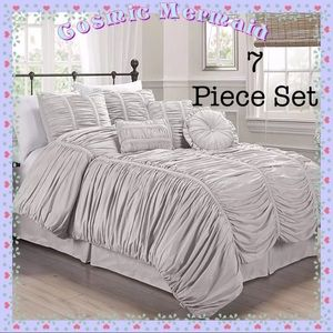 Other - Gray🆕🖤7 PC✨Luxury Shabby Chic Ruffle Bed Set🖤